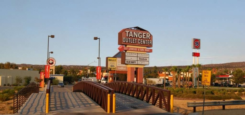 Tanger Outlets (12)