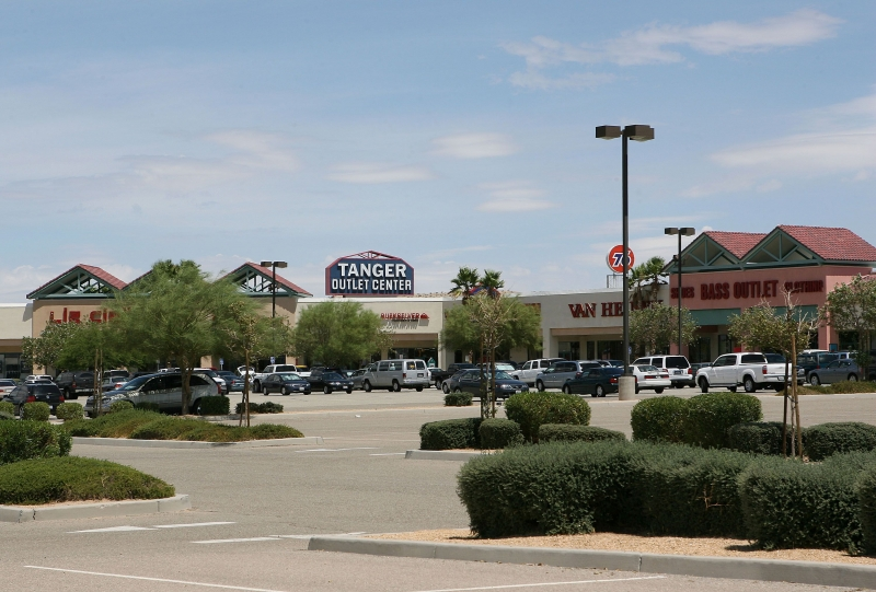 Tanger Outlets (13)